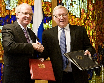 Us russia 123 agreement activated nuclear engineering international us ambassador to russia john beyrle and russian deputy foreign minister sergey ryabkov exchanged diplomatic notes to bring into force the agreement platinumwayz